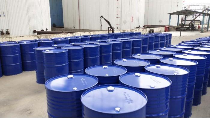 320合成导热油,价格高一点,使用寿命可达7年