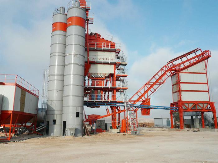 克拉克为某沥青设备公司供应高温导热油