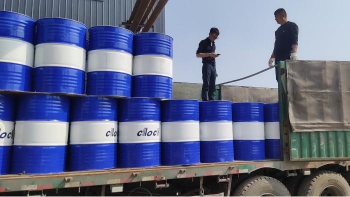 32吨导热油顺利到达,客户新厂可以准时开工